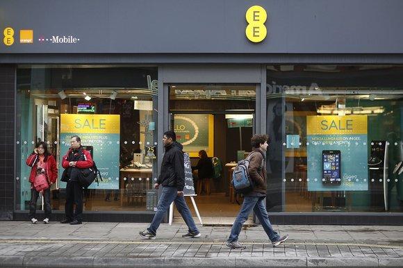 EE Shop Front