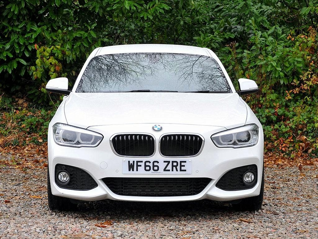 BMW 120d Front-on View